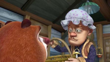熊出没: 熊保姆为哄嫩草强开心, 得顶着暴风雪堆雪人