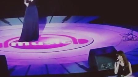 张韶涵范玮琪当年闹掰后的某次合作, 演唱会现场零互动