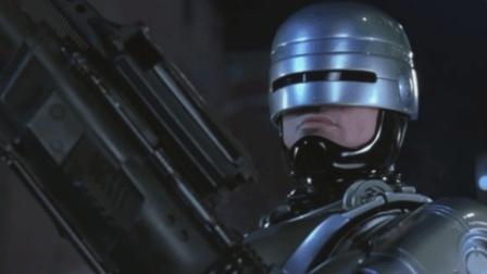 好莱坞90年代大片《机械战警3》, 自我改装版机械战警霸气登场