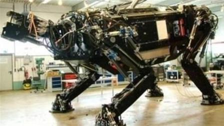 世界上最大的机器人, 重11吨高达9米, 还会喷火!