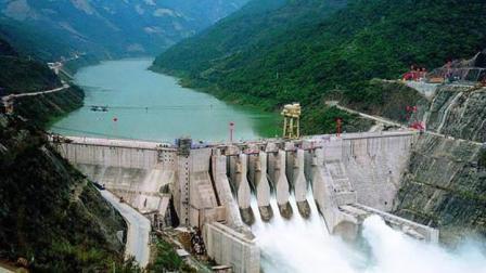 中国又一座巨型工程在建中, 规模是三峡水电站的2倍, 将年赚十几亿
