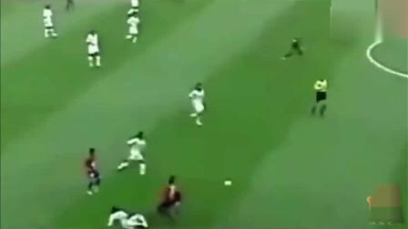 孙继海在02年世界杯的这一举动, 让无数球迷瞬间热泪盈眶!