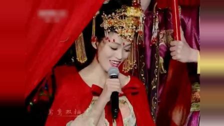 李玉刚重返星光大道演唱《女儿情》美轮美奂的造型让人沉醉