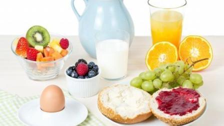 心血管疾病的高危人群, 只要早餐做好这2件事, 发病率下降69%!