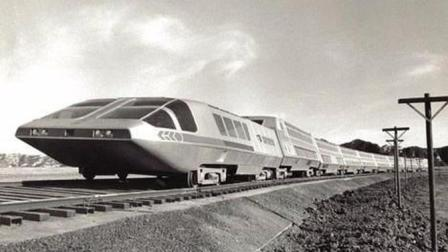 世界首辆, 核动力火车, 时速300公里, 比普通火车宽2倍, 永久续航