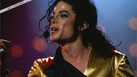 别人开演唱会是要钱, 他的演唱会是要命。抬走281人 身亡2人