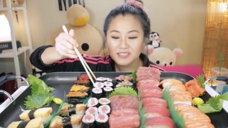 大胃王妹子吃三文鱼和金枪鱼寿司, 那么大一盘吃着真来劲