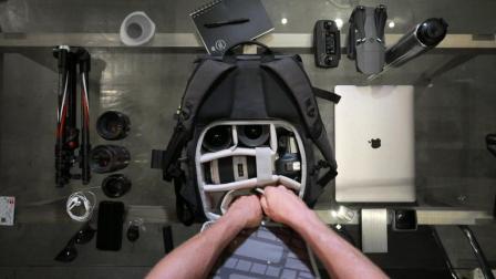 逍遥者系列中号相机和笔记本电脑双肩背包