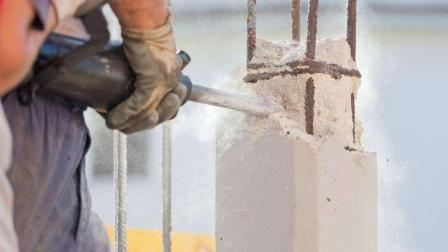 德国工人墙上开槽实拍, 全程无灰尘, 这工具好先进!