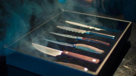 《时尚200秒》需要6把刀, 6种盐, 这家牛排馆将仪式感发挥到极致