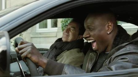 黑人不开保姆车, 还暴力方式让乱停车的邻居落荒而逃, 最后亿万富翁笑了