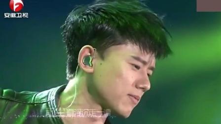 张杰现场演唱完美版《剑心》, 这个唱腔真的绝了, 一般歌手做不到