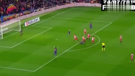 某球员: 梅西罚球不要紧, 反正踢不进! 梅西: 去你大爷的!