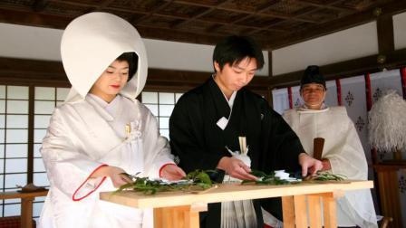 为什么日本女孩出嫁前都要和爸爸一起洗澡? 说出来你都不敢相信