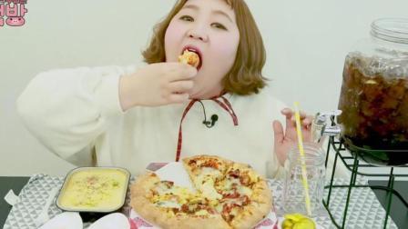 韩国吃货胖妹杨慧吃披萨、奶油培根意大利面, 妹子又吃胖了不少