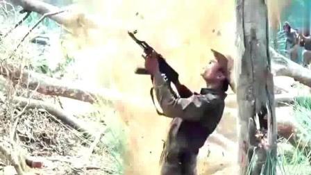 12.7mm重机枪恐怖杀伤力, 一发子弹就能把人打成两截! 《第一滴血4》