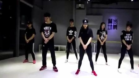 热门舞蹈! 鬼步舞教学, 太简单了, 快快舞动起来吧