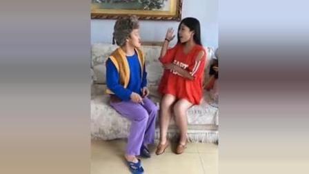 搞笑视频: 光头强和老婆秀恩爱, 笑死了!