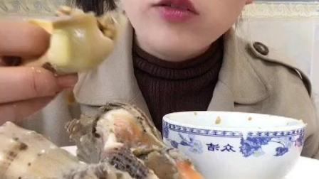 渔民丹姐清蒸大海螺造起, 一大口肉质Q弹请忽略吃相, 看着流口水