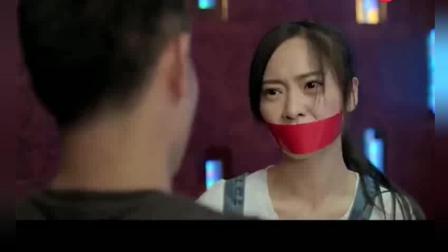 两个女高中生被绑进了KTV, 千钧一发啊