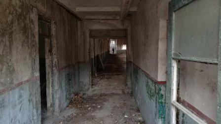 「48Hrs」探秘废弃兵工厂: 生化危机+绝地求生既视感(正片)