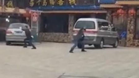 小编搜事 普陀山多家饭店争相揽客 姿势夸张爆笑