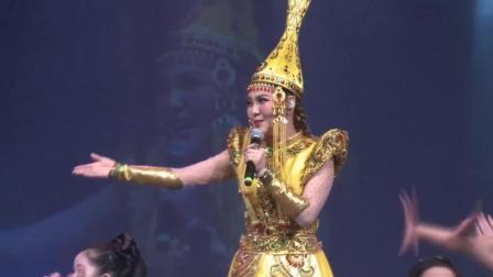 乌兰图雅第一次在外国开演唱会, 一首《站在草原望北京》太好听了
