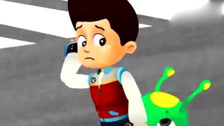 《汪汪队立大功》莱德和毛毛虫侠变成消防车一起到披萨店灭火!