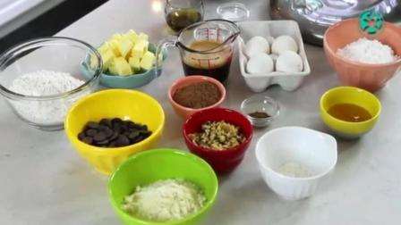 巧克力爆浆蛋糕 自己做生日蛋糕的做法 水果生日蛋糕视频教程