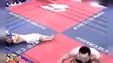 中国虎一拳KO日本拳手后, 接下来的动作太狠辣, 这是多恨啊!