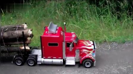 国外牛人用玩具车拉木头, 启动的那一刻霸气才开始!