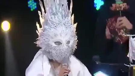 嘉宾面具突然掉落, 观众和评委都不淡定了, 这意外发生的