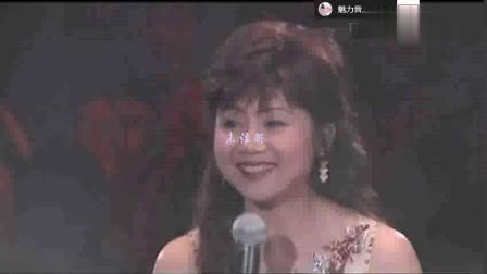 武侠帝女花的主题曲风尘泪由香港著名歌星张德兰演绎, 十分动人