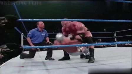 大秀哥年轻时有多强? 布洛克莱斯纳被吊打, 雷尔被扔进观众席!