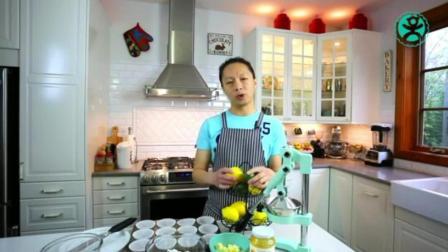 蛋糕制作配方 在家怎样做生日蛋糕 怎么给蛋糕抹奶油