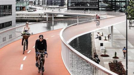 上班堵车? 德国修建自行车高速公路, 速度比汽车还快!
