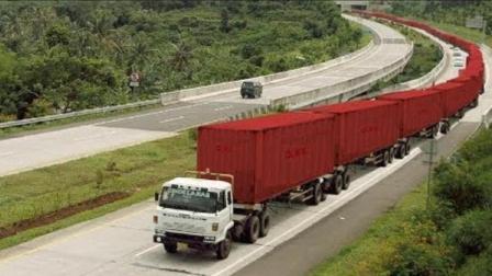 世界上最长的车, 长度堪比火车, 开这种车的工资一个月得好几万吧
