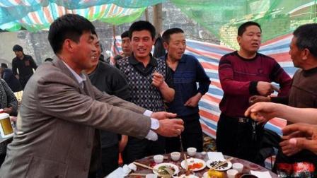亳州杨老三: 安徽农村这小伙真厉害, 用顺口溜劝酒, 高手在民间!