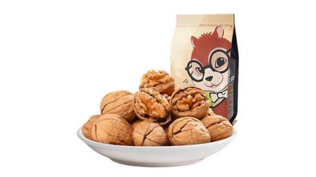 三只松鼠 坚果零食 休闲食品 纸皮核桃210g/袋