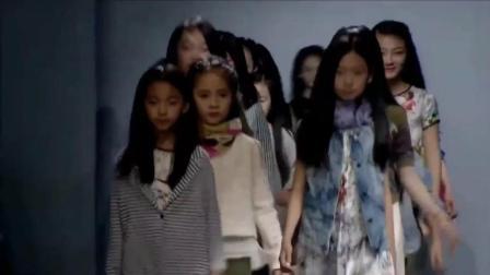 超美05后童模小女孩走秀, 高颜值的清新气质!