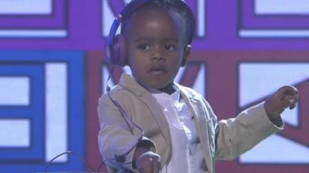 2岁小孩参加真人秀, 告诉你什么是真正的调音师!