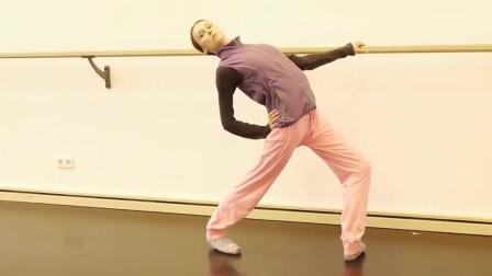 世界顶级芭蕾大神的热身秘籍, 你值得拥有! Svetlana Zakharova热身
