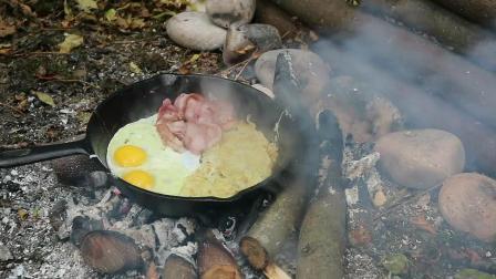 【野餐露营】培根煎蛋西红柿早餐