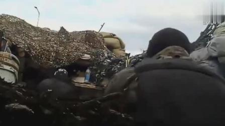 实拍: 士兵被狙击手击中瞬间, 这不是电影!
