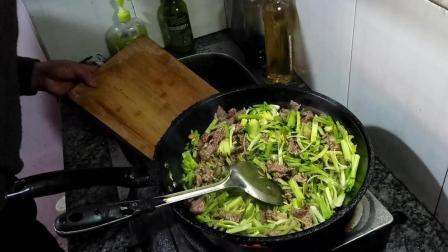 牛肉炒芹菜怎么炒好吃0306舌尖上的美食视频