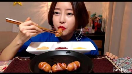 韩国大胃王直播吃烤香肠, 这样烤的香肠才美味