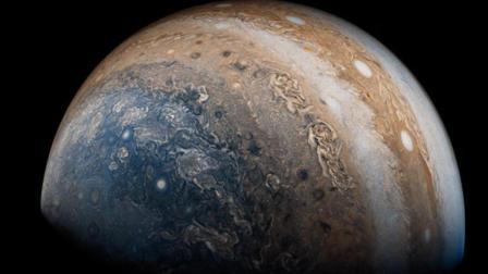 木星要变地球? 朱诺号拍到木星南极云团, 形似地球表面!