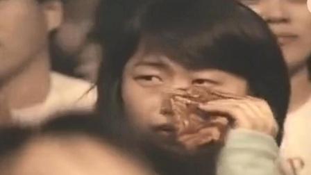 黄家驹走后BEYOND第一场演唱会, 黄家强哭着唱《海阔天空》