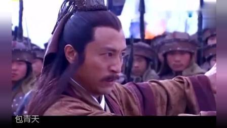 郭靖降龙十八掌以一敌三, 仍占上风, 不愧为洪七公的传人