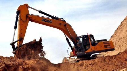 我国制造出可变形挖掘机, 售价300万, 可悬空作业!